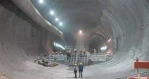 تصویری از سومین تونل کوهرنگ (هفتمین جنایت انتقال آب)